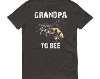 New grandpa gift, Men's Grandpa to bee t-shirt - first time grandpa gift, birth announcement, grandpa announcement, new grandpa shirt