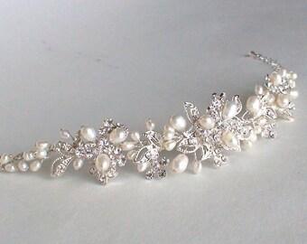 Wedding bracelet. Pearl Rhinestone Bracelet. Bridal accessories. Bridal bracelet. Bridal wedding jewelry. Freshwater pearl bracelet.