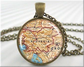 Slovenia Map Pendant Resin Charm Slovenia Old Map Necklace Picture Pendant Round Bronze Gift Under 20 (631RB)