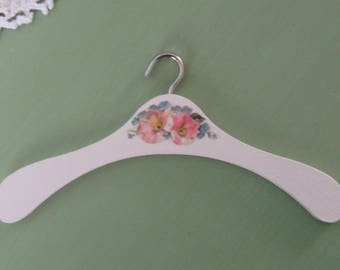 Doll's clothes hanger - new for 2018!