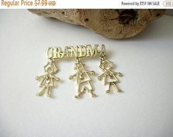ON SALE Vintage Gold Tone Grandma Dangling Heart Grand Kids Charms Pin 70816D