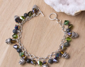 Rainbow Charm bracelet - Serpentine & rainbow glass beaded charm bracelet | Gemstone charms | Green iridescent jewelry | Statement jewellery