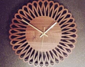 Spiro-Flower Clock