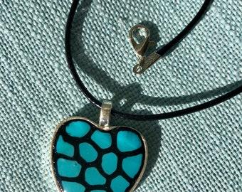 Quaint heart pendant
