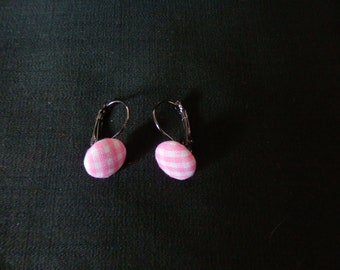 fabric buttons earrings has tiles