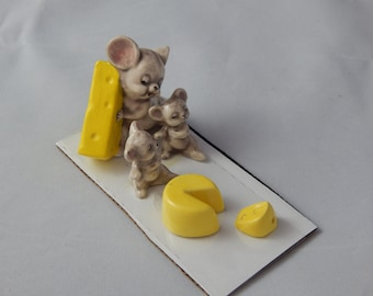 Vintage Ceramic Miniatures Three Mice and Cheese