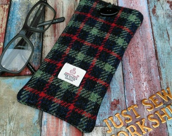 Harris Tweed Glasses Case, Sunglasses Cosy, Scottish Tweed, spectacle case, eyeglass slip case, glasses protector, tartan tweed, padded case