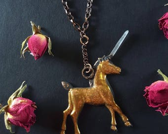 Unicorn Necklace - Unicorn with Quartz Horn - Quartz Unicorn Necklace - Copper Plated Unicorn Pendant with Quartz Crystal Horn - Estmeria