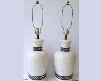 Pair Mid Century Modern Black White and Beige Ceramic Lamps - Chinoiserie - Ginger Jar Lamps - Hollywood Regency Tabel Laps - Black n White