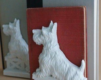 Vintage Dog bookends, Scottish terrier, wood, Syroco collectible