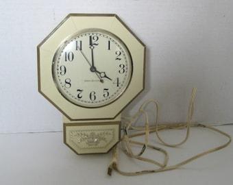 Vintage General Electric Plastic Wall Clock Mid Century Retro