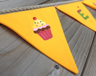 Cupcakes garland