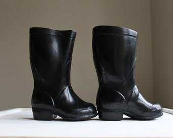 Soviet Toddler Rain Boots, Kids Black Rubber Boots with Heel, Childrens Shoes, Kids Footwear from 1970s, Collectible
