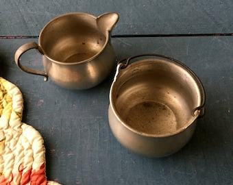 Pewter Cream and Sugar Set, Rustic Cream Sugar, Rogers Pewter, Log Cabin Chic, Farmhouse Kitchen, Rustic Decor, Metal Cream and Sugar Bowls