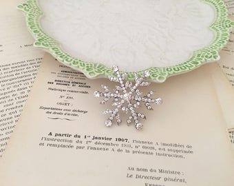Snowflake Brooch.Silver Snowflake Brooch.Silver Rhinestone Brooch.Crystal Snowflake Brooch.Broach.Snowflake Pin.Wedding Accessory.Bridesmaid