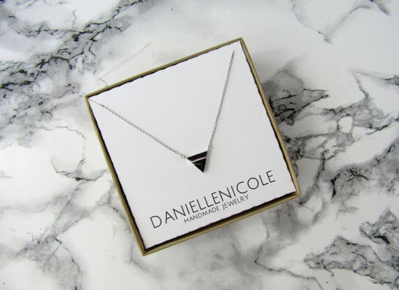 Black Marble Triangle Necklace, Marble Necklace, Pendant Necklace, Dainty Necklace, Everyday Jewelry, Dainty Jewelry, Statement Necklace