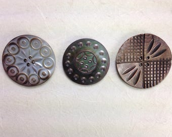 3 Antique shell buttons