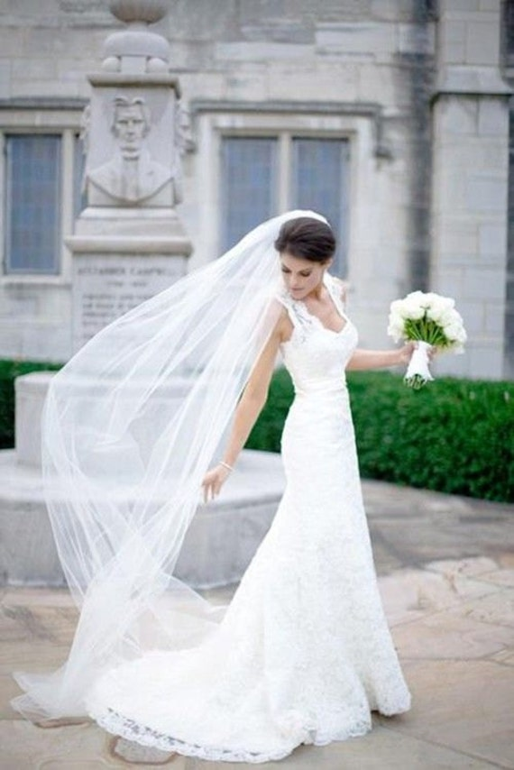 Plain 1 Tier Chapel Length Tulle Veil With Raw Edge Chapel