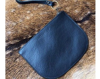 LUNA POUCH Onyx Black • Oil Tanned Leather Case