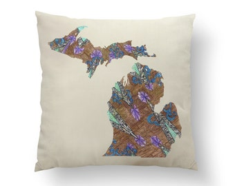 "16"" Brown Wood Grain Michigan State Pillow w/ Insert, Throw Pillow, State Art, Michigan Gift, Housewarming Gift, Map Pillow, Throw Pillow"