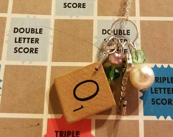 Scrabble tile O necklace