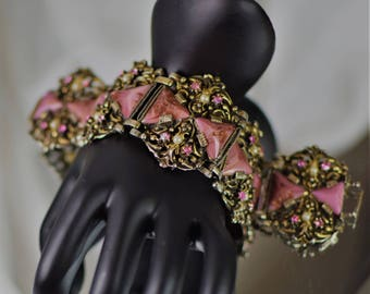 Gorgeous Opulent SELRO Pink Triangle  Aventurine Glass Bracelet