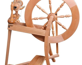 Ashford Traditional spinning wheel, Laquered