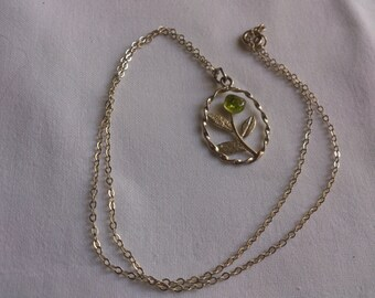 vintage sterling silver flower pendant and chain