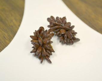 1970s Seed Cluster Clip Earrings