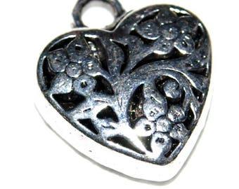 1 20 X 20 mm silver openwork heart pendant!