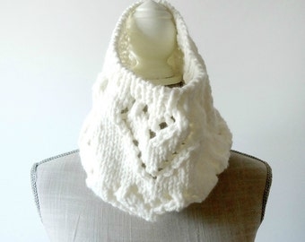 Knit Scarf, Cowl Scarf, Chunky Scarf, Circle Scarf, Infinity Scarf, Circle Cowl Scarf, Knit Scarves, Winter Scarf, Handmade Scarf