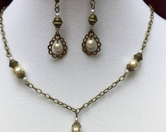 Pearl Teardrop Necklace and earring Set
