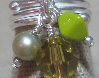 Lime Green with Envy Cluster Dangle Ring - R138