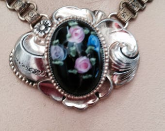 Vintage Necklace with Hand Painted Flowers.   FREE U.S. SHIPPING