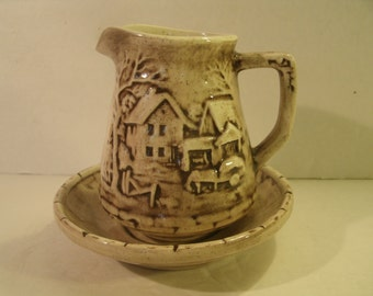 Ceramic Pitcher And Saucer Bowl Set Hand Painted Vintage 1980's 3D Farm House Homestead Scene Brown Glaze Creamer Syrup Serving Dish