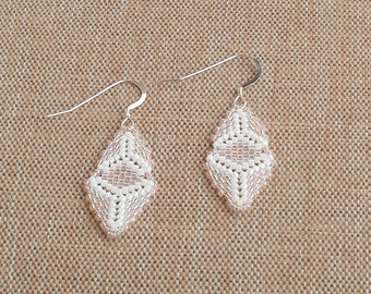 Handmade Beaded Bead Woven Earrings in Pink and White, Beaded Earrings, Bead Woven Earrings