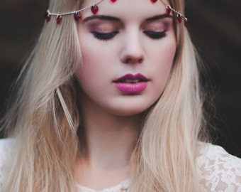 Valentine's Day Romantic Headpiece, Red Heart Headchain, Queen of Hearts Chain Head Piece, Chain Headdress, Valentine's Day Hair Accessory