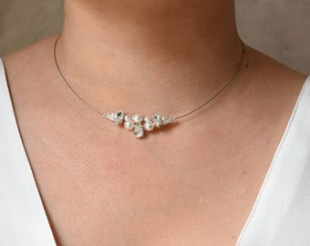 Wedding necklace Pearl and rhinestone delicate
