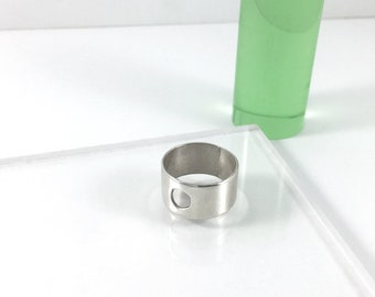 Thick Ring with Circle Cut Out // Sterling Silver