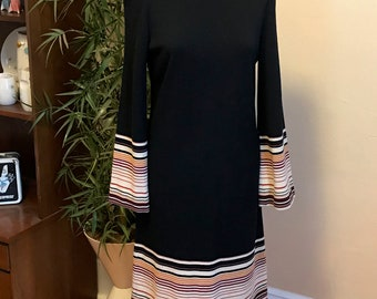 Cool Retro & Chic Vintage Black and Striped Long Bell Sleeve Short Dress 1970s Size 10