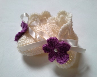 Crochet Baby Booties gift baby pink satin ribbon baby shower photo prop flowers gift