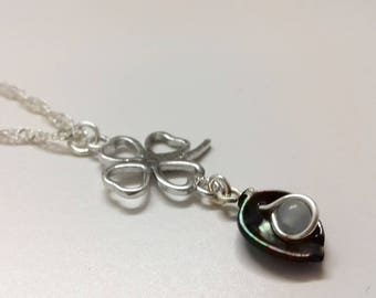 Chain leaf dream. 925 sterling silver and Black Pearl leaf.