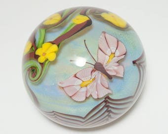 Vintage Early Orient and Flume Signed Limited Edition Pink Butterfly and Yellow Flower Art Glass Paperweight, Orient and Flume, Butterfly