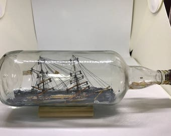 Museum Quality ship in a bottle !