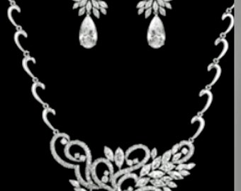 New Bridal Stunning Art Deco CZ Crystal & Rhinestone l Necklace With Matching Pierced Earring Set