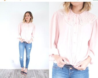 15% OFF MEMORIAL DAY sale Vintage lace collar pink blouse // light pink 1980's blouse // pink blouse // pink top modest blouse // lace retro