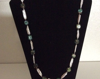 Merino glass bead w/ mother of pearl necklace