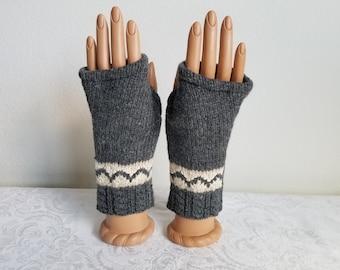 Bracelet Length Lambswool Fingerless Gloves in Smoky Gray and Cream