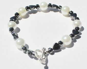 Hematite Bead Bracelet with Glass Pearl Accent Beads