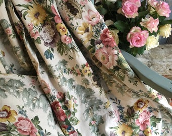 Stunning pair of Sanderson linen union floral curtains in excellent condition.